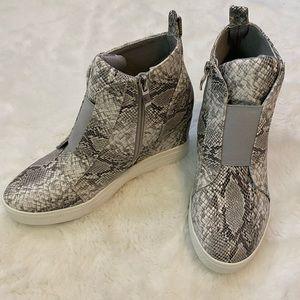Shoes - Snake Print Zip Up Wedge Heel Bootie Shoes sz 7.5